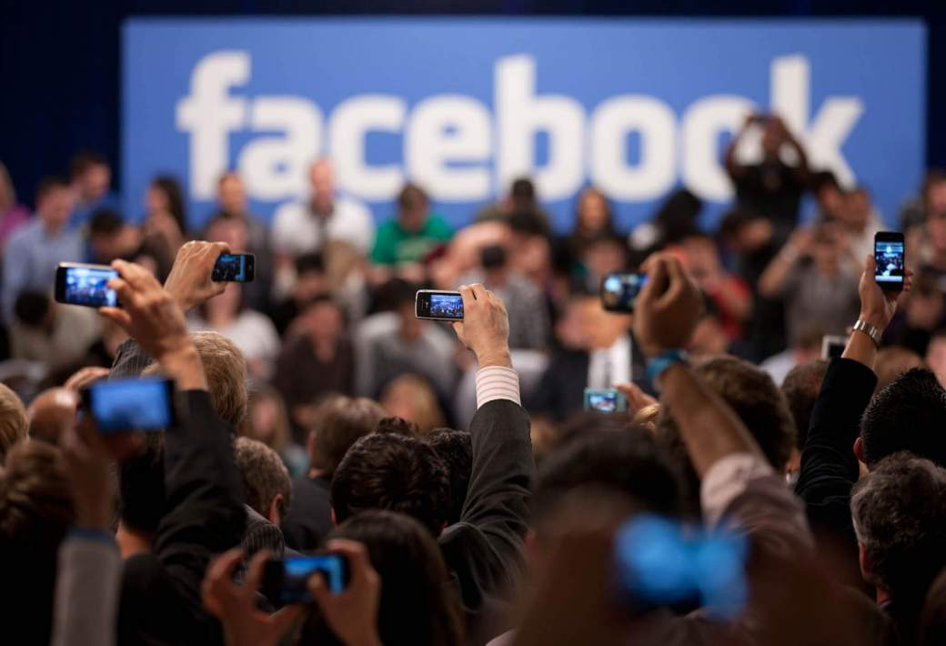 Danske medier stopfodrer Facebook