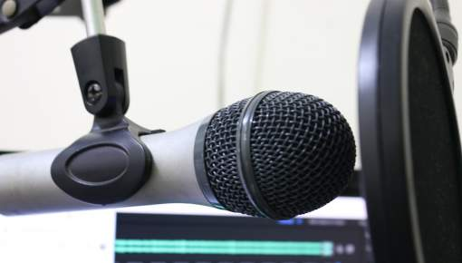 Podcast-data viser at lytterne hører det hele
