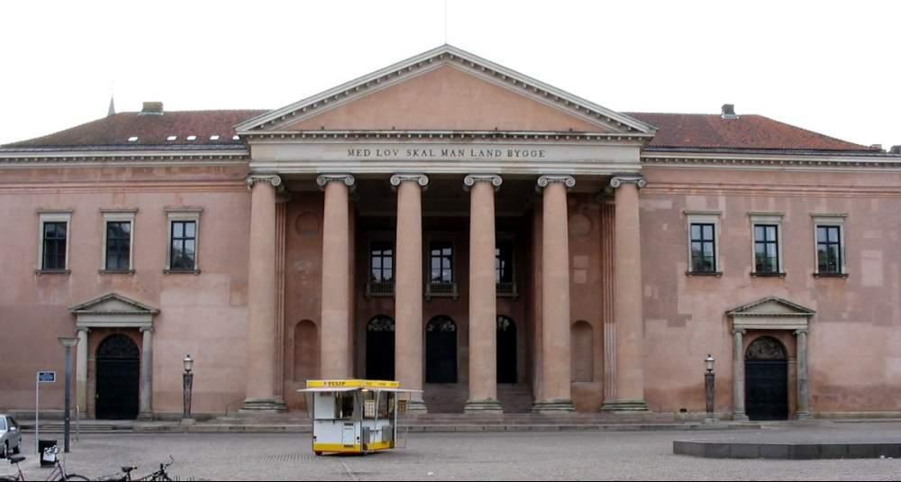 Det skal koste op til 12 års fængsel at manipulere dansk valg