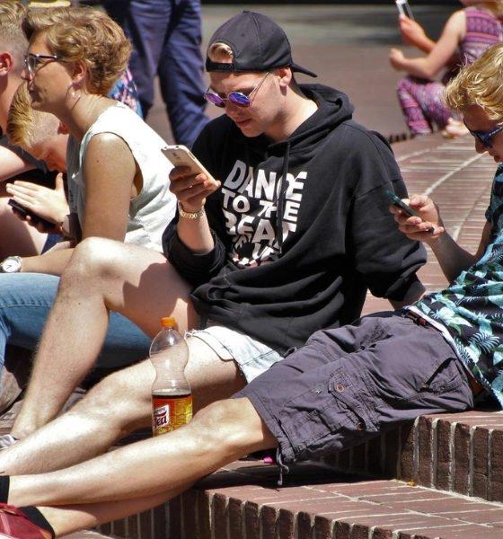 Unge ignorerer de traditionelle medier i valgkampen
