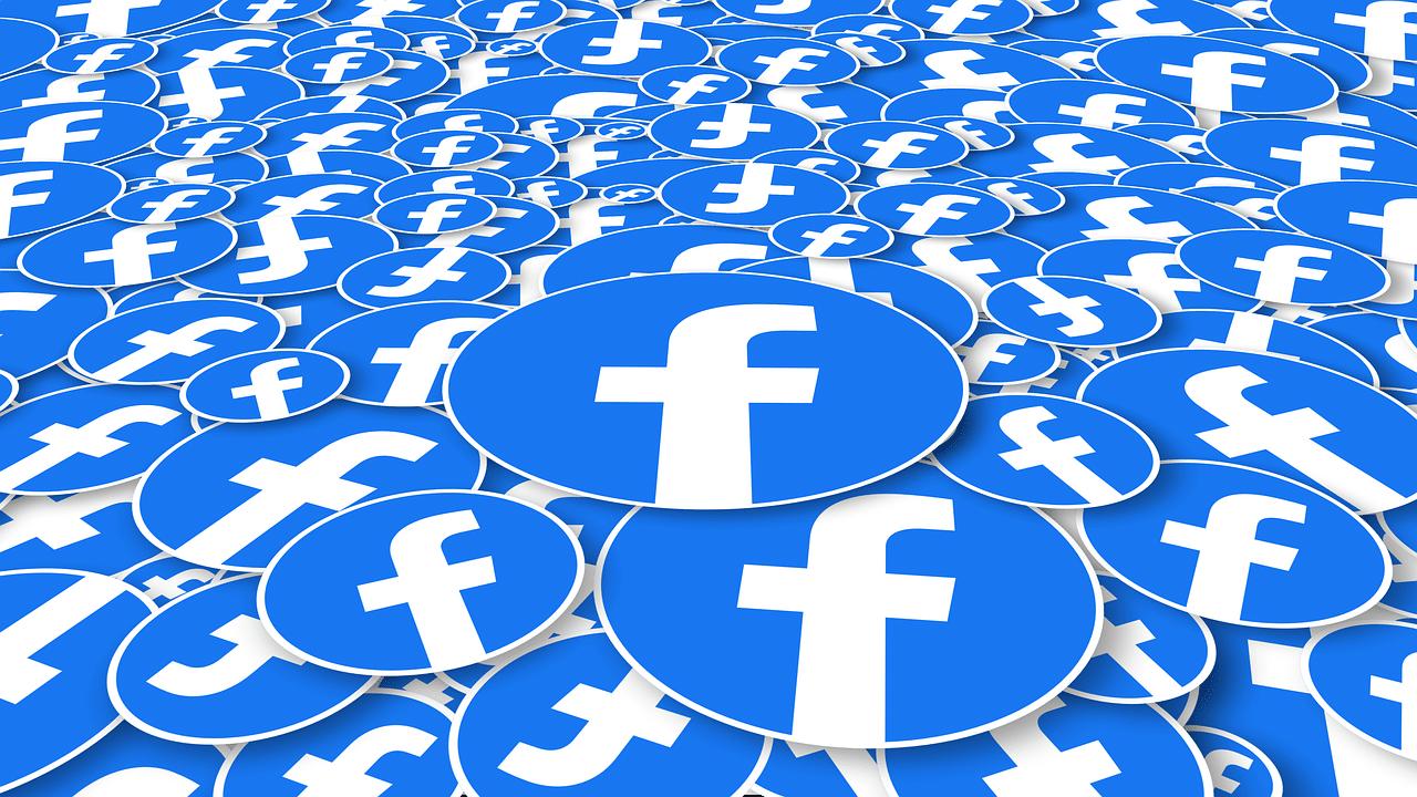 Danske medier propfodrede Facebook 2020